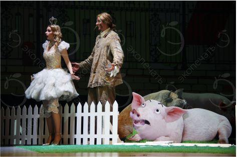 ростовая фигура Свинки